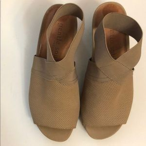 Gentle Souls Sz 6 Tan Sandals New without tags 🌿